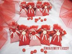 Σχετική εικόνα Laura Lee, Confetti, Pouch Bag, Potpourri, Wedding Favors, Buffet, Diy And Crafts, Graduation, Wraps
