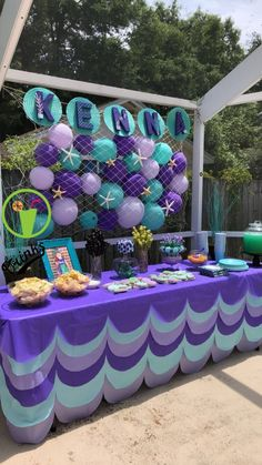 Mermaid pool party The post Mermaid birthday party. Mermaid pool party appeared first on Dekoration. Mermaid Theme Birthday, Little Mermaid Birthday, Little Mermaid Parties, Mermaid Themed Party, Baby Shower Mermaid Theme, Mermaid Baby Showers, Mermaid Babyshower Ideas, Mermaid Party Food, Mermaid Party Decorations