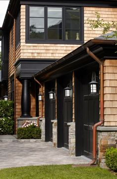 Ideas For House Exterior Dark Trim Black Windows Design Exterior, Garage Design, Exterior Paint, Exterior Trim, Exterior Colors, Garage Exterior, Stone Exterior, Modern Exterior, Cedar Shingles