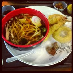 Sample of Japanese food: Udon with Tempura