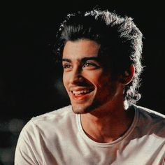 Zayn Mallik, Niall Horan, One Direction Pictures, I Love One Direction, Liam Payne, Zayn Malik Smiling, Zayn Malik Icons, Foto One, Bad Boys