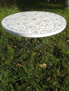 table recyclage de vaisselle ancienne