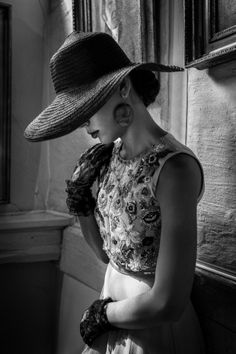 Best of Black and White Photography Black White Photos, Black And White Photography, Rodney Smith, Audrey Hepburn Style, Perfume, Mode Chic, Love Hat, Trends, Hats For Women