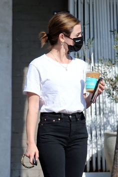 Chic Black Outfits, Cute Preppy Outfits, Suzy Bae Fashion, Style Fashion, What To Wear Today, How To Wear, Lucy Hale Style, Casual College Outfits, Dakota Johnson Style