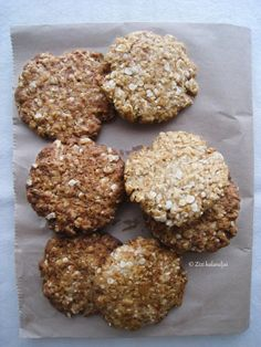 Anzac - Vegan Oatmeal and Coconut Biscuits by Zizi's Adventures Lunch Recipes, Healthy Recipes, Coconut Biscuits, Mumbai Street Food, Vegan Oatmeal, Dairy Free Diet, Good Food, Yummy Food, Cooking Together