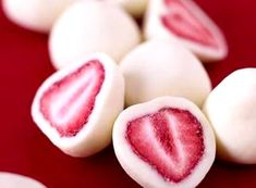 Who's your valentine? Make frozen greek yogurt covered strawberries for a healthy valentines treat the whole family can enjoy! #healthytreats #greekyogurt