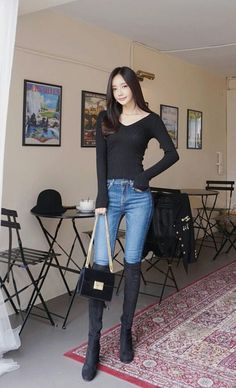 Pin by 丈博 上川 on アジア美人 in 2019 Fashion Pants, Girl Fashion, Fashion Outfits, Womens Fashion, Korean Outfits, Mode Outfits, Pinterest Fashion, Sexy Jeans, Beautiful Asian Women