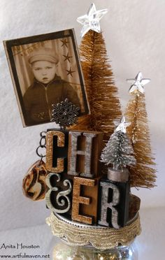 The Artful Maven Haven: Christmas In A Tim Holtz Mason Jar