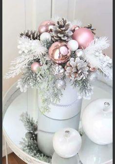 Christmas Flower Arrangements, Christmas Flowers, Handmade Christmas Decorations, Christmas Candle, Christmas Centerpieces, Xmas Decorations, Christmas Time, Christmas Wreaths, Christmas Crafts