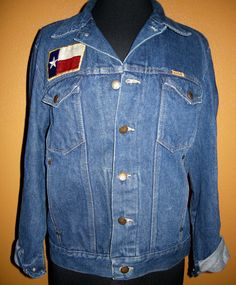 Vintage Rustler Denim jacket with Texas Flag hand stitched on. From early 80s In excellent condition, always store in light proof, dust proof, moisture proof container. No visible stains or other damage From a non smoking environment Please ask if you have any questions  Measurements: Shoulders: 18 Chest: 22 arm pit to arm pit Waist: 36-38- adjustable buttons Sleeves: 24.5