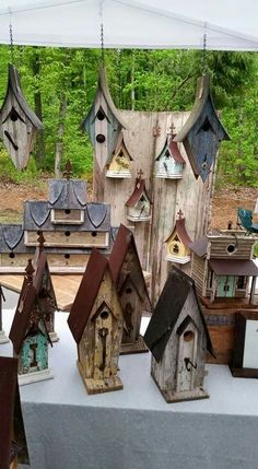 Bird House Kits Make Great Bird Houses Cool Bird Houses, Fairy Houses, Bird House Feeder, Bird Feeders, Decoration Evenementielle, Birdhouse Designs, Birdhouse Ideas, Bird House Kits, Bird Aviary