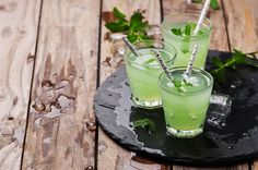 Green cocktail witn rum and mint by Oxana Denezhkina on 500px