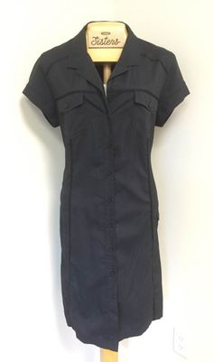 casual, button-up dress with adjustable side strap and zip-up pockets (large)