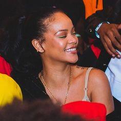 Rihanna Outfits, Rihanna Riri, Rihanna Style, Bad Gal, My Black Is Beautiful, Celebs, Celebrities, Holiday Outfits, Me As A Girlfriend