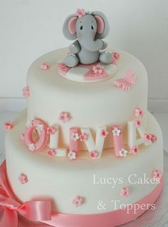 Image via Cute Jungle Animal Birthday Cake. With fondant Lion, Elephant, Crocodile, Hippo and Snake . Image via This would be a really cute baby shower cake! Elephant Birthday Cakes, Elephant Cake Toppers, Elephant Cakes, 1st Birthday Cakes, Birthday Cake Toppers, Baby Girl Birthday Cake, Animal Birthday, Christening Cake Girls, Christening Cake Toppers
