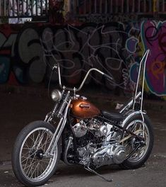Old Classic Harley-Davidson Motorcycles Classic Harley Davidson, Harley Davidson Chopper, Harley Davidson Motorcycles, Harley Bobber, Bobber Motorcycle, Bobber Chopper, Motorcycle Garage, Woodstock, Choppers