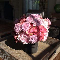 Morning shadow    #hanhhomedecoration #flowers #roses #interiordecoration