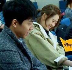 Cast and staff of 'You're Surrounded' get acquainted in video of first script reading session.  #youresurrounded #leeseungki #goara #leeseungkiyoona #kpopnews #hallyudrama #kpopmap