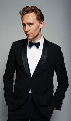 Tom Hiddleston by Charlie Gray. (Full size [HQ]: http://imgbox.com/AermJ5kw. Source: http://torrilla.tumblr.com/post/107409457860/tom-hiddleston-by-charlie-gray-hq