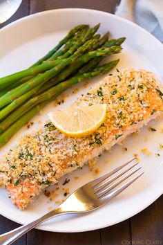 Panko Crusted Honey Mustard Salmon - easiest salmon recipe and it's seriously delicious!!