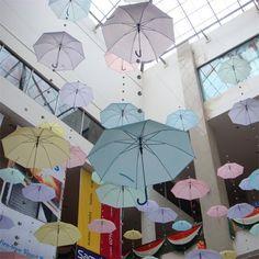 Arte para los Amigos: Arte con paraguas