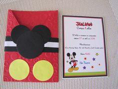 Modelos de tarjetas de invitación de Mickey Mouse - Imagui Minnie Y Mickey Mouse, Fiesta Mickey Mouse, Mickey Mouse Clubhouse Birthday Party, Mickey Party, Birthday Themes For Boys, Baby 1st Birthday, Mickey Candy Bar, Mickey Thomas, Miki Mouse