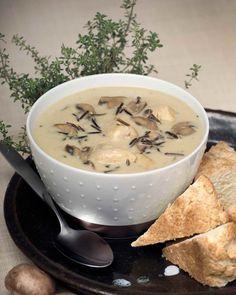 Soupe au poulet, aux champignons et au riz sauvage avec bannock | Le Poulet du Québec