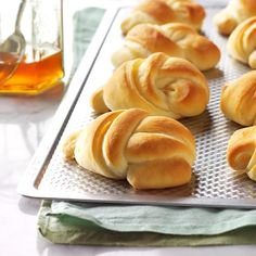 No-Knead Knot Rolls Recipe -My mom, Velma Perkins, loved to serve these light, golden rolls when I w Yeast Rolls, Bread Rolls, Bread Recipes, Cooking Recipes, Dinner Rolls Recipe, Roll Recipe, Bread Baking, Cooking Bread, Cooking Pork