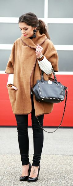 Fashion Hippie Loves - camel coat, black skinny jeans, golden studs black leather handbag, and white long sleeve sweater and black shinning heels pumps.