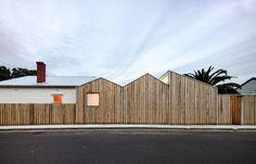 profile house - black line one X architecture studio