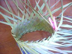 P1210355 Flax Weaving, Flax Flowers, Card Weaving, Weaving Patterns, Weave, Baskets, Hat, Fiber, Basket