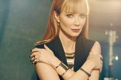 Lauren Holly, who plays Dr. Betty Rogers on CTV crime drama Motive, has a new fashion line for the holidays through Canadian retailer Le Chateau.