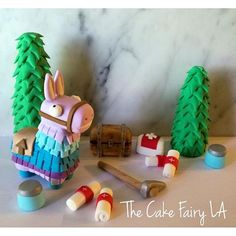 That Loot Llama Pinata is just about the cutest thing I'v… - Ostern - Fortnite Cake Toppers! That Loot Llama Pinata is just about the cutest thing Iv - Fondant Figures, Fondant Cake Toppers, Cupcake Cakes, Diy Cake Topper, New Birthday Cake, Birthday Diy, Birthday Cupcakes, 10th Birthday, Birthday Ideas