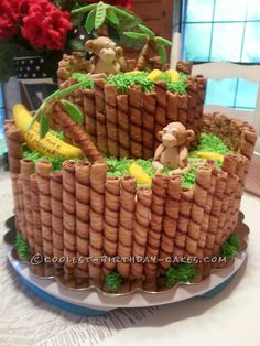 Here are some of the coolest monkey cake designs. Whether it's a birthday or a baby shower, Monkey Cakes are sure to add positive energy to the party. Cupcakes Decorados, Jungle Cake, Jungle Party, Party Fiesta, Cool Birthday Cakes, Diy Jungle Birthday Cake, Monkey Birthday Cakes, Birthday Ideas, Cute Cakes