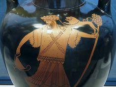 Dionysus holding a wine cup (kantharos) and thyrsus and heraldic lion on his arm, red-figure Amphora, by the Berlin Painter, c. 480 BC, Staatliche Antikensammlungen, Munich
