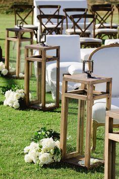 Lantern Centerpiece Wedding, Wedding Lanterns, Outdoor Wedding Decorations, Rustic Wedding Centerpieces, Wooden Lanterns, Lanterns Decor, Candle Lanterns, Wedding Bottles, Diy Furniture Plans