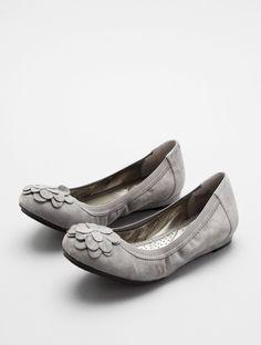 Grey shoes of wedding fun?