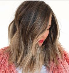 56 Gorgeous Ombre Hair Color Trends for Elegant ombre hair color trends you really need to know right now for best hair looks. Ombre is a popular hair coloring technique to use for best hair colors and hairstyles. Brown Ombre Hair, Brown Hair With Highlights, Partial Highlights, Color Highlights, Brown Hair Looks, Non Blondes, Look 2018, Hair Color Balayage, Brunette Balayage Hair Short
