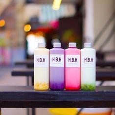 ■BOTTLE YOGURT パステルカラー全4色のラインナップ。 それぞれの果物をじっくり丁寧に煮詰めた果肉たっぷりのH.B.H自家製ジャムシロップを使用しています。忙しい朝やテイクアウトお土産にもおすすめです。(マンゴー/ブルーベリー/ストロベリー/キウイ) Okinawa, Pillar Candles, Taper Candles