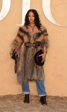 Rihanna Goes Full-On Cowgirl in a Fur Coat and No Shirt at the Dior Cruise Show Rihanna Outfits, Photos Rihanna, Style Rihanna, Best Of Rihanna, Moda Rihanna, Rihanna Mode, Rihanna Fenty, Kate Bosworth, Demi Moore