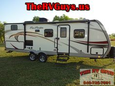 Find Fantastic Fun For You Family Of Four In This  2015 Funfinder 242BDS