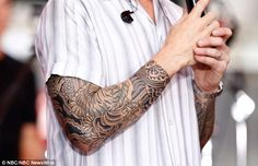 Painted man: The Voice judge has long rocked full arm sleeve but also has a permanent bead. Tattoo Girls, Mom Tattoos, Trendy Tattoos, Tribal Tattoos, Tattoos For Guys, Cross Tattoos, Half Sleeve Eye Tattoo, Japanese Sleeve Tattoos, Back Tattoo