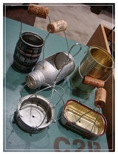 tin can handle idea Succulent Gardening, Planting Succulents, Container Gardening, Garden Terrarium, Garden Planters, Planting Flowers, Tin Can Crafts, Wire Crafts, Diy And Crafts