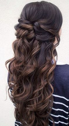 Perfect Half Up Half Down Wedding Hairstyles Trends no 115