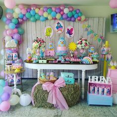 Arraso de festa com o tema Galinha Pintadinha! Birthday Venues, Birthday Parties, Pig Candy, My Little Pony Party, Kids Party Themes, Theme Ideas, Baby Girl Birthday, Backdrops For Parties, Baby Party