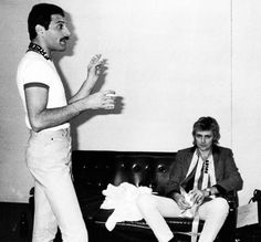 Freddie and Roger photo by Koh Hasebe source:escondidaentrepalabras.tumblr.com