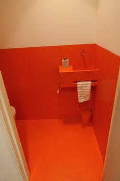 polyester wasbakje in de wc