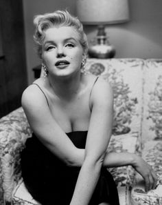 Marilyn Monroe, such beauty Fotos Marilyn Monroe, Marylin Monroe, Vintage Hollywood, Hollywood Glamour, X Files, Candle In The Wind, Frases Humor, Malcolm X, Norma Jeane