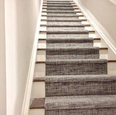 Staircase Carpet Runner, Stairway Carpet, Carpet For Stairs, Stairs With Carpet Runner, Stair Rug Runner, Carpet Stair Treads, Wooden Staircases, Modern Staircase, Staircase Design