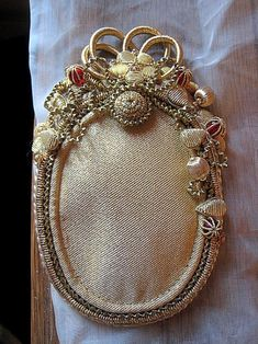 """Lesage, Specialized training, Gold embroidery """"Purl and braids"""" Tambour Beading, Tambour Embroidery, Couture Embroidery, Hand Embroidery Designs, Silk Ribbon Embroidery, François Lesage, Bordados E Cia, Gold Work, Beaded Brooch"""